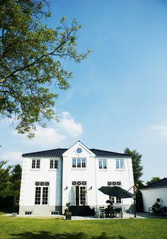 Casa Moderna con líneas brillantes