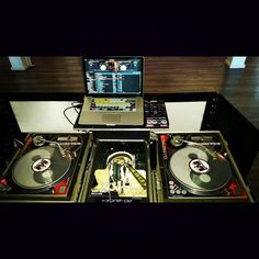 I always harness the power of the #YinYang when I spin.  #Balance #PositiveNegative #BackspinEntertainment #DJMenace #Vinyl #ImASeratoDJ #TechnicsM3D #AkaiAFX #NovationDicers #Xone02 #12inchskinz #RealDJ #NotAButtonPusher #ILetMyHandsSpeak #Turntablism #PartyRockDJ #mobiledj #WeddingDJ #GreaterLosAngelesDJ #SkratchDJ by djsherwinruste http://ift.tt/1HNGVsC