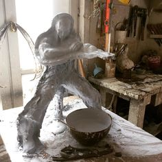 Stand up and fight.... or at least try to... #plaster #molds #moldmaking #silicone #studiolife #scuplture #clay #moulage #mouleaboncreux #parisartist #artisan #moulageetpatine
