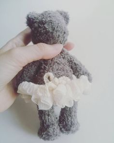 lumiena_amigurumi Work in progress!  7月心斎橋大丸での人形展に向け新作に取りかかっています テーマはCUTE   今はまだ後ろ姿で失礼    #あみぐるみ #あみぐるみ作家 #編み物 #かぎ針編み #毛糸 #ニット #手作り #リュミエナ #amigurumi #crochet #knitting #knit #yarn #instaamigurumi #instacrochet #amigurumiartist #japan #kawaii #lumiena #амигуруми #вяжу #вязание #игрушки #ручнаяработа #pукоделиe