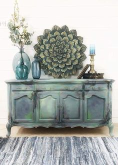 """I had a lot fun turning this dated record player into a boho mermaid piece of art 😍🧜🏼♀️🎨 """"Boho Chic"""" isn't usually my style when I'm… Chalk Paint Furniture, Hand Painted Furniture, Upcycled Furniture, Diy Furniture, Furniture Styles, Furniture Projects, Furniture Makeover, Vintage Buffet, Furniture Restoration"""
