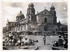Manila - Showed Jim my home place for the first time. I brought him to our historical places and prominent sites, like Quiapo and Intramuros. Philippines Culture, Manila Philippines, Old Photos, Vintage Photos, Philippine Architecture, Old Churches, Catholic Churches, Intramuros, Filipino Culture