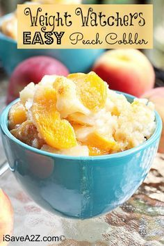 Only 3 Ingredients! - - Can you believe this Weight Watchers Easy Peach Cobbler Recipe only needs 3 ingredients! This cobbler is a healthier version your entire family will enjoy. Weight Watcher Desserts, Plats Weight Watchers, Weight Watchers Diet, Weight Watchers Apple Recipes, Sugar Free Peach Cobbler, Fresh Peach Cobbler, Healthy Peach Cobbler, Blueberry Cobbler, Ww Desserts