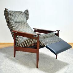 http://www.ebay.de/itm/verstellbarer-skandinavischer-Lounge-Chair-aus-massivem-Teakholz-/140872814078?pt=LH_DefaultDomain_77