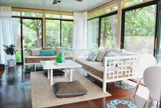 This sunroom is so airy and was done so inexpensively! Now if I only had a sunroom...