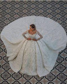Crystal Wedding Dresses, Fancy Wedding Dresses, Luxury Wedding Dress, Gorgeous Wedding Dress, Wedding Dress Sleeves, Princess Wedding Dresses, Bridal Dresses, Wedding Gowns, Ball Dresses
