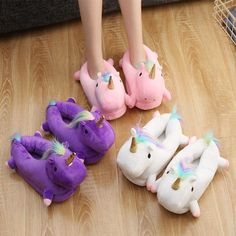 Women's Size Conversions US Sizes Euro Sizes UK Sizes Inches CM 6 4 37 23 7 5 38 8 6 39 9 7 40 10 8 41 11 9 42 12 10 Why ride around on the back of unicorn, when you can walk around inside of two unicorns? Two soft, fluffy white unicorns to slip your feet Real Unicorn, White Unicorn, Unicorn Art, Magical Unicorn, Rainbow Unicorn, Unicorn Fashion, Unicorn Outfit, Estilo Harajuku, Baby Dolls