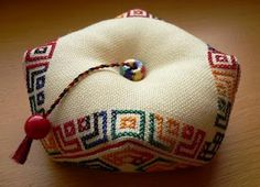 Matrioshka Biscornu: biscornu #cross-stitch