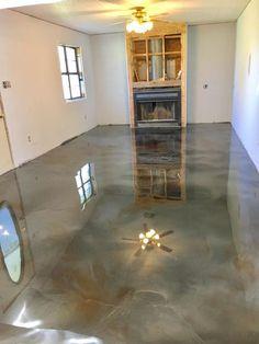 Laminate Flooring Colors, Linoleum Flooring, Basement Flooring, Stained Concrete, Concrete Floors, Diy Concrete, Concrete Design, Metallic Epoxy Floor, Glitter Floor