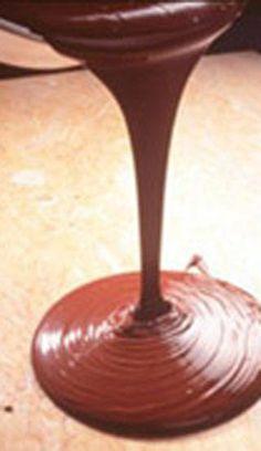 Succulent glaçage au chocolat et beurre   .recettes.qc.ca