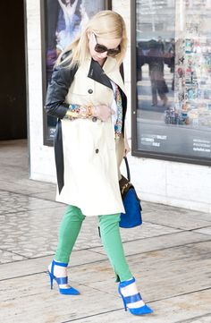 Love the color blocking green pant and blue shoes.