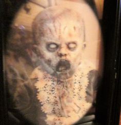 Halloween Decoration Holographic Picture Zombie Baby 5 X 7 in Home & Garden, Holiday & Seasonal Décor, Halloween | eBay