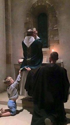 Felices los niños monjes y los monjes niños, pues verán al que viene del Oriente. P. Diego de Jesús