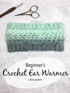 Crochet Wintermint Ear Warmer - Free One Skein Scarfie Pattern This FREE one skein (or less!) crochet pattern is a perfect, last-minute DIY gift for the holidays. Use this textured ear warmer as a stocking stuffer for teens or even sell them at your local Crochet Ear Warmer Pattern, One Skein Crochet, Crochet Headband Pattern, Mittens Pattern, Crochet Beanie, Crochet Scarves, Free Crochet, Crochet Patterns, Crochet Ear Warmers
