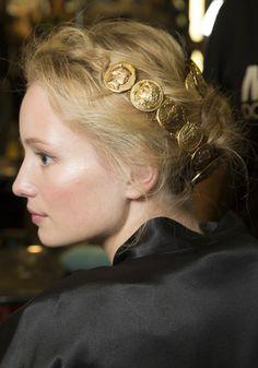 en backstage du defile Dolce & Gabbana 2014, fashion week milan