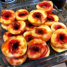 BBQ Peaches - cut peaches in half, remove pits, sprinkle liberally with vanilla extract & brandy, cook minutes each side on grill. Tastes like peach cobbler! No Bake Desserts, Just Desserts, Pit Bbq, Vegetarian Recipes, Cooking Recipes, Cobbler, Peaches, Finger Foods, Delish