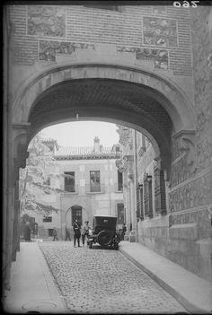 Sabíais que hay una Calle Madrid en Madrid, junto a la Plaza de la Villa