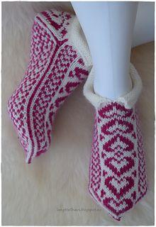 Ravelry: Hjertevarme tøfler pattern by Jorunn Jakobsen Pedersen Fair Isle Knitting, Ravelry, Diy And Crafts, Creative, Projects To Try, Embroidery, Texture, Color, Eminem