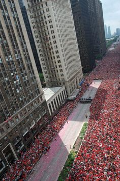 Chicago Blackhawks Hockey Fans at the Chicago Victory Parade, Friday 6/28/2013