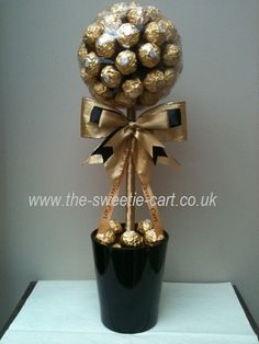 Ferrero Rocher Chocolate Bouquet Diy, Chocolate Tree, Chocolate Gifts, Rocher Chocolate, Candy Bouquet Diy, Cookie Bouquet, Diy Bouquet, Homemade Gifts, Diy Gifts