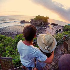 ●●●Picked Picture Today●●● Beautiful Tanah Lot Sunset with your special one❤ #fascinatingbali #sunset #instago #nature #travel #beautiful #couple #love #liveauthentic #gopro #photooftheday Pict from @lullaby387 ============================== NOTE : KEEP BALI CLEAN ============================== Tags @fascinatingbali in you picture and we will choose one to feature with Us ============================== Visit our Site (link on Bio). Keep use our hashtag to allow Us feature your moment in Bali…