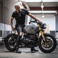 Image may contain: one or more people and motorcycle Bmw Scrambler, Yamaha R1, Street Scrambler, Custom Street Bikes, Custom Bikes, R1200r, Best Motorbike, Bobber Style, Retro Cafe