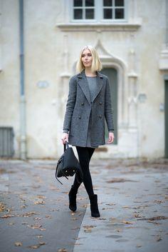 Grey blazer outfit / Anna Sofia / Style Plaza
