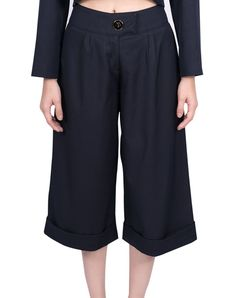 Short Trousers - Navy Blue $71.00  Short trousers in navy blue and high waist.