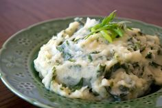 """Gaelic """"cal ceann fhionn"""", which translates to """"White Headed Cabbage"""", but Irish Colcannon is made with green cabbage or kale. Potato Dishes, Potato Recipes, Irish Recipes, Side Dish Recipes, Side Dishes, Kale, Holiday Recipes, Food Porn, Favorite Recipes"""