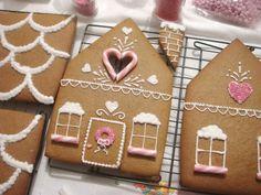 butter hearts sugar: Gingerbread House (Part Decorating and Building) Gingerbread House Patterns, Gingerbread House Parties, Christmas Gingerbread House, Christmas Treats, Christmas Baking, Gingerbread Cookies, Gingerbread Houses, Christmas Cookies, Holiday Baking