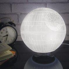 LED-Tischleuchte Todesstern   design3000.de