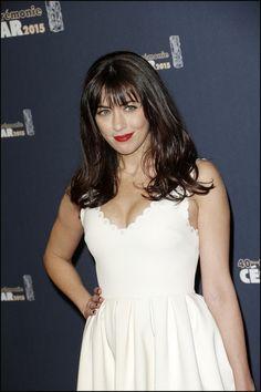 Que devient Nolwenn Leroy ? Jenifer, Sophie Marceau, Michel, Jennifer Aniston, Red Carpet, Camisole Top, Sexy Women, White Dress, Photos