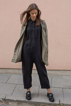 Loose linen jumpsuit perfect as boiler suit for women TEMPO | Etsy Jumpsuit Outfit, Casual Jumpsuit, Black Jumpsuit, Jumpsuit Style, Boiler Suit, Urban Looks, Comme Des Garcons, Suit Fashion, Fall Fashion