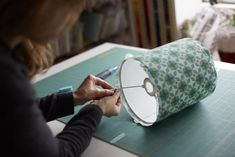 Lampshade Making Workshops – What a bright idea! 30 Day Squat, Business Stories, Workshop, Craft Ideas, Bright, Learning, Blog, Crafts, Handmade