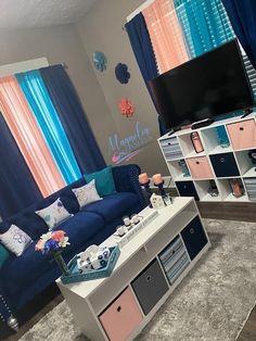 Cute Living Room, Living Room Decor Colors, Decor Home Living Room, Living Room Designs, First Apartment Decorating, Apartment Ideas, Room Ideas Bedroom, My New Room, Crib