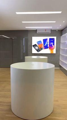 Shoe Store Design, Retail Store Design, Mail Design, Design Design, Shop Counter Design, Mobile Shop Design, Showroom Interior Design, Design Interiors, Store Interiors