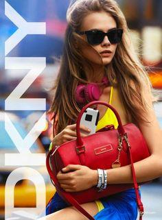 Cara Delevingne mola mogollón en la nueva campaña Primavera-Verano 2013 de DKNY