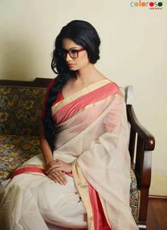 Chanderi sarees are hand woven by the immensely talented weavers in a town, Chanderi in india; Indian Beauty Saree, Indian Sarees, Kerala Saree, Ethnic Fashion, Indian Fashion, Women's Fashion, Indian Dresses, Indian Outfits, Indian Clothes