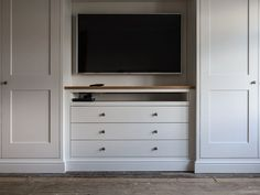 Cabinet Maker based in Burton on Trent, Staffordshire. Specialising in Bespoke Fitted Wardrobes and Furniture. Alcove Wardrobe, Bedroom Alcove, Bedroom Built In Wardrobe, Bedroom Built Ins, Fitted Bedroom Furniture, Closet Built Ins, Bedroom Closet Design, Tv In Bedroom, Master Bedroom Closet