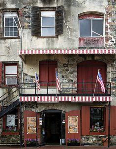 Riverfront - Savannah, Georgia by ryotnlpm, via Flickr
