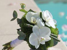 On pourrait presque appeler ce bouquet : bouquet dragées. Les couleurs sont discrètes, tendres.