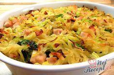 Těstovinový salát je klasika, kterou jistě potěšíte každého. Vyzkoušejte místo klasických těstovin použít čínské nudle. Nikdy jsem si nemyslela, že čínskou polévku využiji úplně jinak, než je uvedeno na obalu. Z polévky jsem vybrala nudle, uvařila jsem je klasickým způsobem, přidala zeleninu a majonézu. Vznikl z toho celkem chutný těstovinový salát :) Místo majonézy můžete klidně použít i zakysanou smetanu, salát tak bude jednoznačně lehčí, já jsem ji doma bohužel neměla. Autor: Triniti