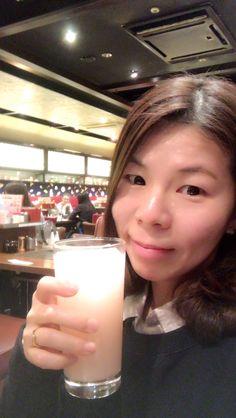 乾杯😁其實是水蜜桃可爾必斯😆