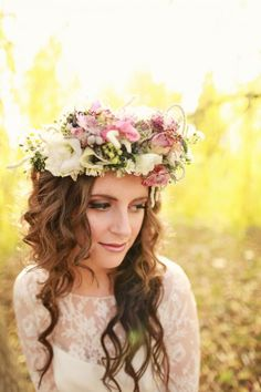 Marriage: boho style ~ rocking the boho floral crown - Aphrodite's World