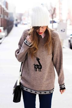 oh my goodness, i want that llama sweater!!