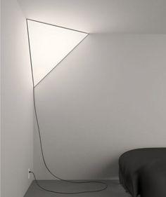 Corner-Lamp-Established-and-Sons-Peter-Bristol-Main-600x716-500x596 En sån här borde man ju kunna göra själv! Spänna en tygbit på en träram och sätta en lampa bakom! Mysigt i ett sovrum tex.
