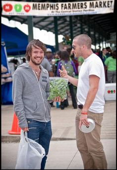 I don't normally pin paparazzi-type shots, but...it's Ben Lovett.  And Jake Gyllenhaal.  In Memphis.  I'VE BEEN TO MEMPHIS.