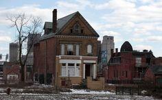 Eerie And Heartbreaking Photos Of Detroit's Decline