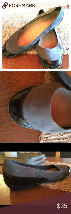 Kenneth Cole Silver Technology shoe Cute gray suede shoe with shiny black leather accents on toes and heel. Really comfy, just a little too big for me. In great shape, barely worn. Kenneth Cole Shoes Flats & Loafers