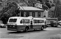 TROLLEYBUS en la Aduana Bus Coach, Bus Driver, Coaches, Buses, World, Classic Cars, Old Pictures, Paisajes, The World
